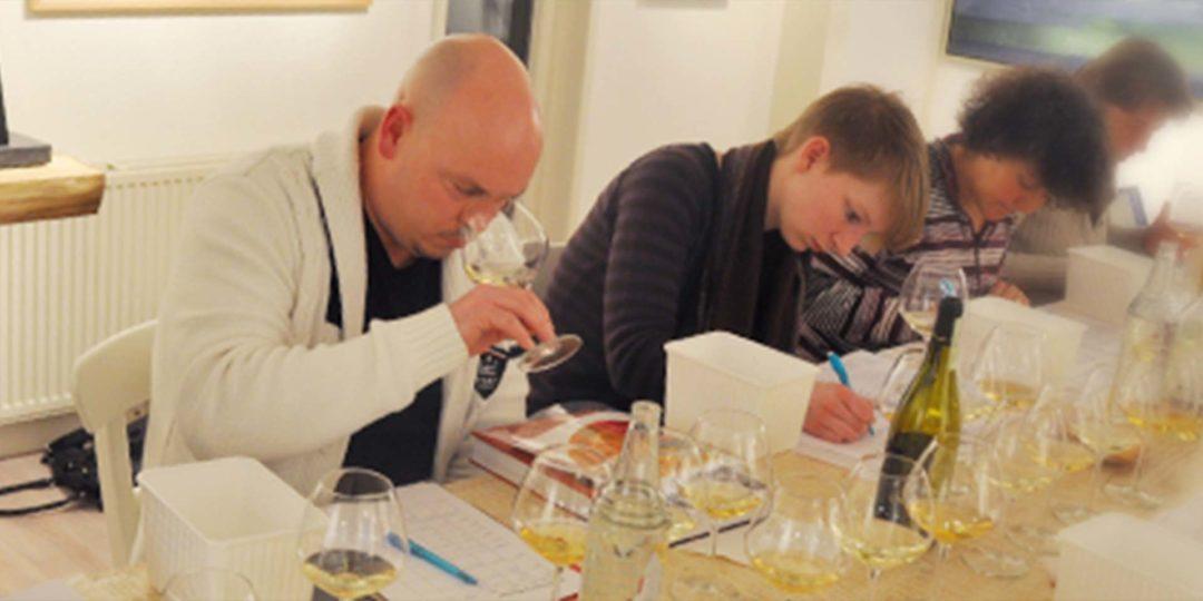 Het schrijven van technische en commerciële wijn proefnotities ism met Frank Jacobs